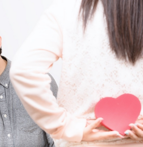 バレンタインまでに彼の中での気になる存在になる方法