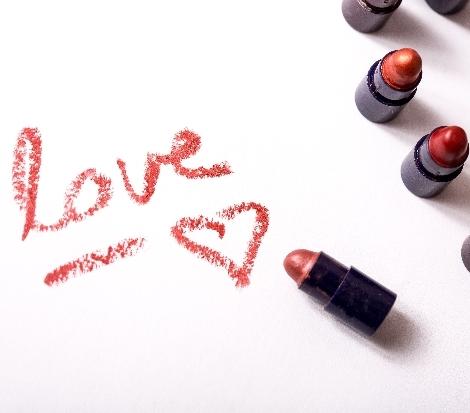 化粧品もDIY!手作りリップクリームで自分好みの唇を