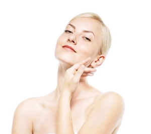 この夏紫外線を浴びてしまったお肌を労わる方法~シミの根本を消し去ります~