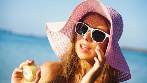 うっかり日焼けには早めの対処を!うっかり日焼けしてしまった肌を白くする方法
